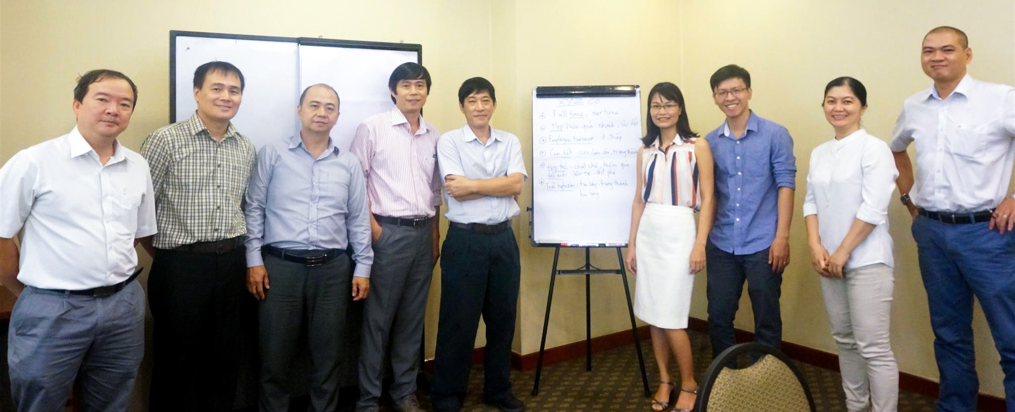 """LEADING AT THE SPEED OF TRUST"" TRAINING PROGRAM AT SONY ELECTRONICS VIETNAM"